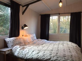 Cozy cottage on national park Veluwe with stove - Ermelo vacation rentals