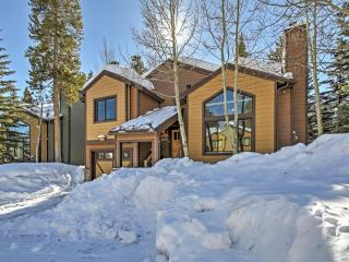 New Listing! Magnificent 3BR Breckenridge House w/Wifi, Private Hot Tub, Spacious Deck & Ski-In Convenience off Peak 8 - 1 Block to Main Street, 2 Blocks to Gondola & Steps to the Bus Stop! - Breckenridge vacation rentals