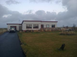 Argarmeols House, a family size cottage by the sea - Gardur vacation rentals
