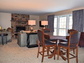 Cozy 3 bedroom Cabin in Big Bear Lake with Internet Access - Big Bear Lake vacation rentals