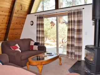 Adorable 3 bedroom Cabin in Big Bear Lake - Big Bear Lake vacation rentals