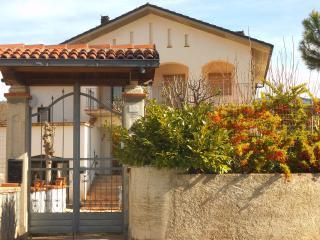 Romantic 1 bedroom Condo in L'Aquila with Internet Access - L'Aquila vacation rentals