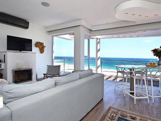 Comfortable 2 bedroom Apartment in Camps Bay - Camps Bay vacation rentals