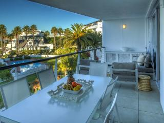 Perfect Condo with Internet Access and A/C - Sea Point vacation rentals