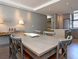 Lovely Sea Point Condo rental with Internet Access - Sea Point vacation rentals