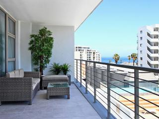 2 bedroom Apartment with Internet Access in Sea Point - Sea Point vacation rentals