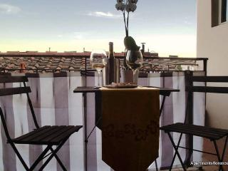 Nice 1 Bedroom Apartment with Hillside View - Florence vacation rentals