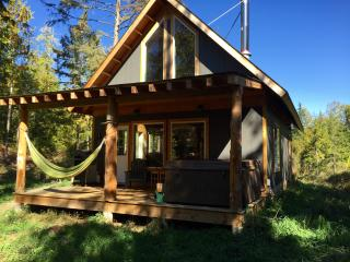 Unique accommodation in the Shuswap - Salmon Arm vacation rentals