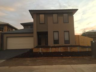 Nice House with A/C and Satellite Or Cable TV - Narre Warren vacation rentals