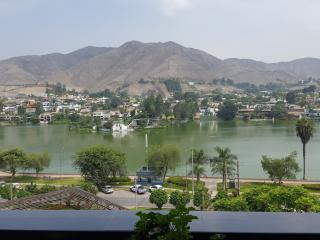 Nice Apartment w/ wonderful lake views. LINDO APTO - Lima vacation rentals