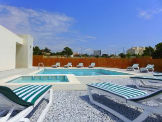 Cozy L'Hospitalet de l'Infant Condo rental with A/C - L'Hospitalet de l'Infant vacation rentals