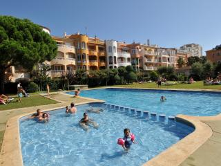 Cozy 2 bedroom Condo in Empuriabrava with Internet Access - Empuriabrava vacation rentals
