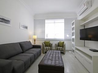 Luxury apartment in Copacabana with parking T002 - Rio de Janeiro vacation rentals