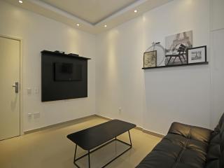 Beautiful studio in Copacabana C108 - Rio de Janeiro vacation rentals