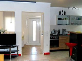 Zlati 1 for 4 people CLOSE TO CENTER! - Novalja vacation rentals