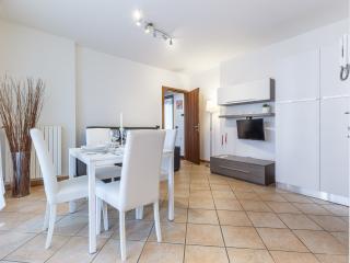 Cozy 2 bedroom Vacation Rental in Limbiate - Limbiate vacation rentals