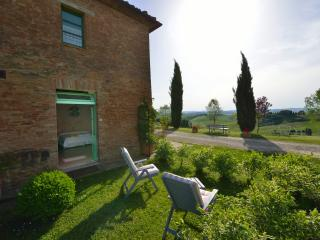 Romantica camera immersa nel verde - Buonconvento vacation rentals