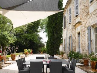 Spacious Villa with Internet Access and Wireless Internet - Caissargues vacation rentals
