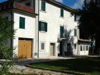 Nice Bed and Breakfast with Internet Access and Shared Outdoor Pool - Ortezzano vacation rentals