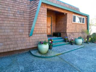 Cozy House with Deck and Internet Access - Aptos vacation rentals
