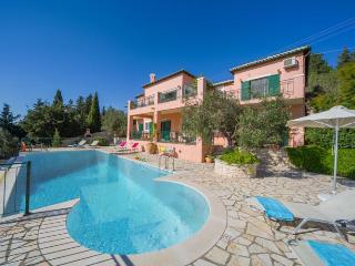 Lovely Villa with Internet Access and A/C - Magazia vacation rentals