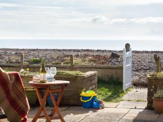 Wonderful vintage cottage on the beach - Pevensey Bay vacation rentals