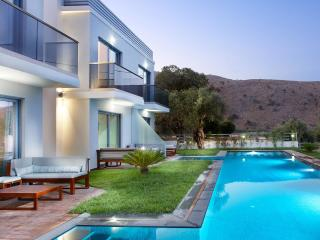 Luxury suites close to the beach - Georgioupolis vacation rentals