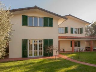 5 Bedroom Vacation Villa in Lucca - Villa Parenti - Lucca vacation rentals