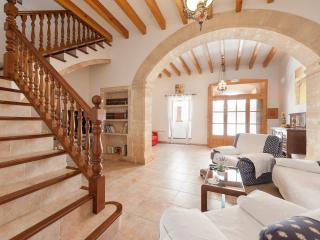 ALCUDIA OLD TOWN HOUSE. REF68 - Alcudia vacation rentals