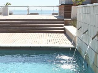 Perfect 2 bedroom Milnerton Resort with Deck - Milnerton vacation rentals