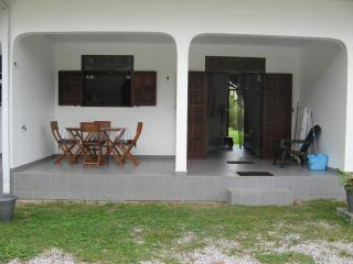 Appartement F2 meublé avec WIFI - Matoury vacation rentals
