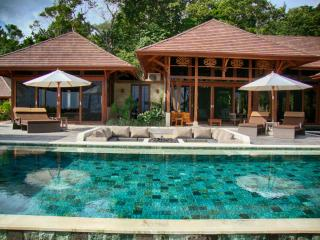 Casa Bellavia, Balinese designed luxury home - Dominical vacation rentals