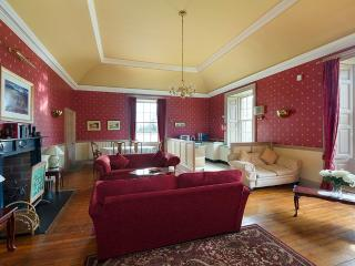 Eland Holiday Apartment, Pitcairlie House - Newburgh vacation rentals