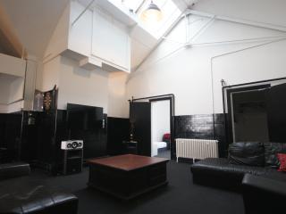 Princes Street Private Loft Apartment 20 Beds - Edinburgh vacation rentals