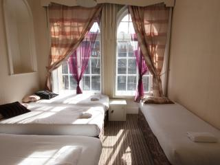 Edinburgh Group Accommodation Princes Street - Edinburgh vacation rentals