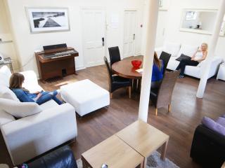 Hanover Grande Edinburgh Apartment 28 Beds - Edinburgh vacation rentals