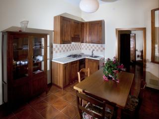 Cozy 1 bedroom Condo in Galzignano Terme with Internet Access - Galzignano Terme vacation rentals
