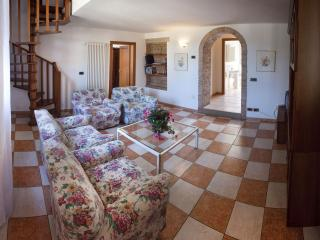 4 bedroom Condo with Internet Access in Galzignano Terme - Galzignano Terme vacation rentals