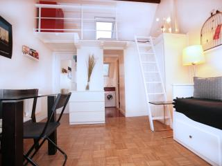 Lovely Marais Studio w/Mezzanine (94) - 3rd Arrondissement Temple vacation rentals