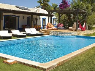 Comfortable Villa with Internet Access and A/C - Pera vacation rentals