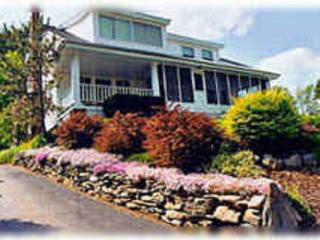 Beautiful 4BR House, Pool, Free Daily Breakfast - Scarborough vacation rentals