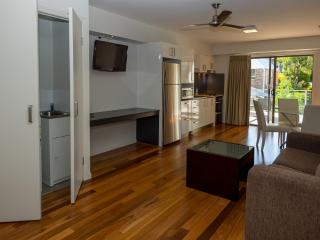 Essence Serviced Apartments Chermside Brisbane - Chermside vacation rentals