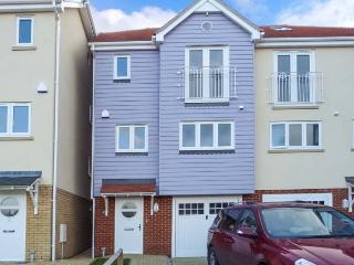 KINSALE en-suite, enclosed garden, family friendly, close to beach in Broadstairs Ref 932684 - Broadstairs vacation rentals