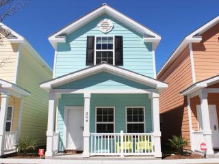 BEAUTIFUL COMFORTABLE TOWNHOME ONE BLOCK TO BEACH - Myrtle Beach vacation rentals
