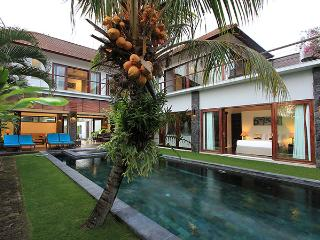 Amazing Villa Seroja - spacious 4 bedroom luxury - Seminyak vacation rentals