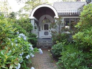 SPRUCE POINT ESTATE | KAYAKING, BOATING, BIKING AND MORE! | SUNNY & BEAUTIFUL | ACTIVE & SERENE | OCEAN-FRONT - Boothbay vacation rentals