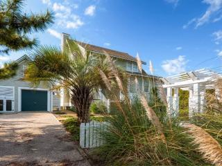 Beautiful House with Internet Access and Grill - Bald Head Island vacation rentals