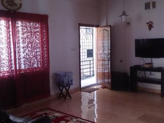 Tastefully decorated fully furnished apartment - Bangalore vacation rentals