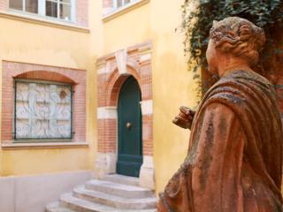 PARADOUX Citycenter - Toulouse vacation rentals