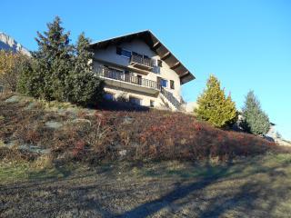 gite roche rousse dans chalet de montagne - Chateauroux-les-Alpes vacation rentals